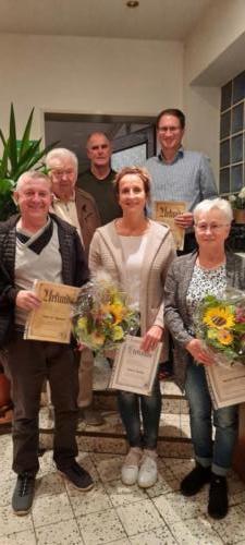 Zu Ehrende: v.l.n.r: vorne: Hans-Dieter Hohorst, Andrea Radtke, Magret Hausmann hinten: Horst Lütvoigt, Walter Mintel, Jens Mehrtens