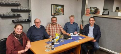 neuer Vorstand v.l.n.r. Nicole Bekurdts, Johann Schumacher, Reinhold Wohltmann, Carsten Neuemann Beisitzer Jutta Steenblock u. Jens Mehrtens